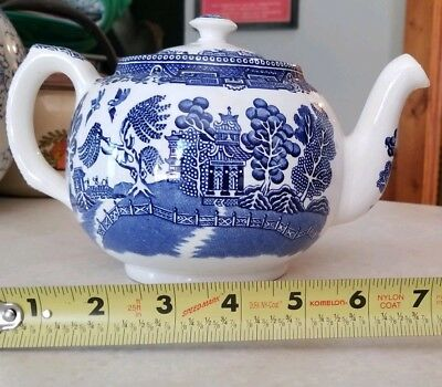 Vintage Blue and White Old Willow Teapot     Made in England