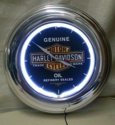 """Harley Davidson 14"""" Rd Lighted Electric Motorcycle Oil Clock W/ Chrome Frame"""