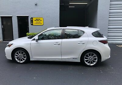 2012 Lexus CT 200h  Clean Carfax! Great Condition!! Video of car in description!!!!