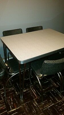 Vintage 1950,s Retro Black & White Formica Dinette Kitchen Table & 6-Chairs Set