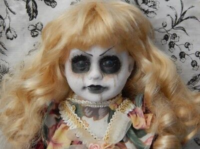 Horror Haunted Doll Halloween Porzellan Puppe Creepy Zombie Gothic