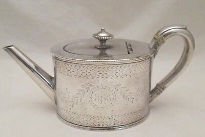 A Fine 19th Century Silver Plated Bachelor Tea Pot - Crested with Lion
