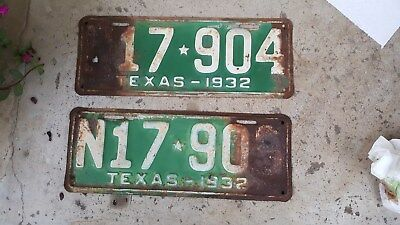 2 1932 Texas License Plates,Consecutive Numbers N17 904,N17 905.License Plate