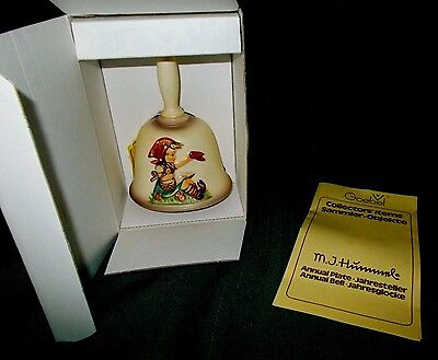 GOEBEL M.J. HUMMEL 1979  SECOND EDITION ANNUAL BELL in bas-relief - NOS