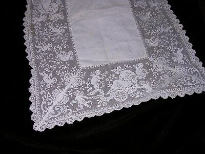 #H Vintage Antique Italian French Lace Linen Runner with Filet Cherubs ANGELS