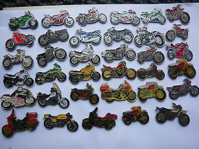 lot 35 pin s motos toutes marques  different