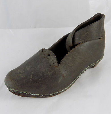 CHILDS LEATHER AND WOOD CLOG SHOE WITH METAL IRONS FROM THE 1800s