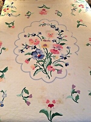 Vintage Hand Pieced Cutter Quilt Flower Garden Pattern