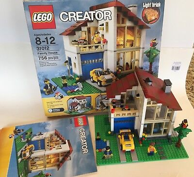 Beautiful 100 Complete Lego 31012 Family House With Box