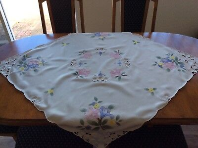 Vintage table supper cloth, hall table cloth, cutwork.