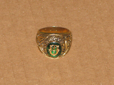 Large Mens Vintage US Military Special Forces Gold Tone Class Ring