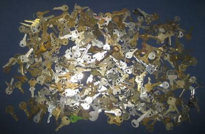 5+ Pounds - Hundreds Of Miscellaneous Old Keys House Car Padlock Mixed Used Lot