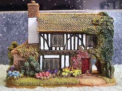 Lilliput Lane .. DOWN IN THE WOODS .. Hartfield - East Sussex .. BOX & DEEDS