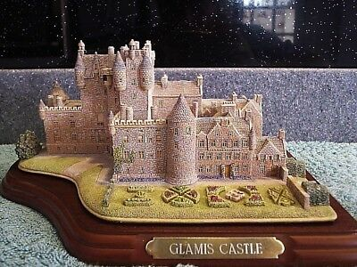 Lilliput Lane .. GLAMIS CASTLE .. Tayside - Scotland .. HOME OF THE QUEEN MOTHER