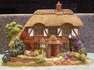 Lilliput Lane .. SWEET HONEYSUCKLE .. Visitor Centre - Special Limited Edition