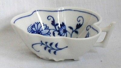 Late C19Th Meissen Blue And White Onion Pattern Leaf Shaped Pickle Dish