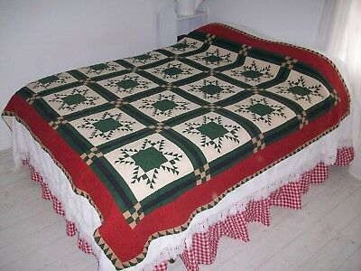 Vintage Star Quilt - Green-Cream-Red - Christmas - Cottage Farmhouse- Snowflakes