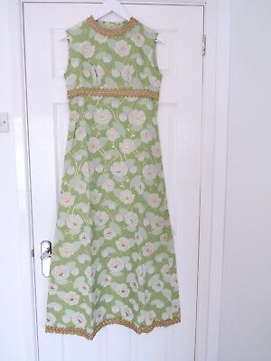 1970s Vintage dress Green, white and gold floral size 10