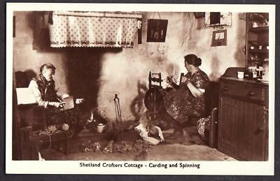 REAL PHOTO POSTCARD CROFTERS COTTAGE SPINNING SHETLAND ISLANDS SCOTLAND c1925
