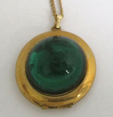 Vintage Emerald-Green Glass Cabochon Locket Pendant Necklace