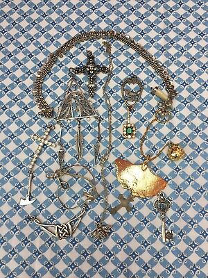 Job Lot Of 16 Pieces Vintage Jewellery, Charms, Trinkets, Curiosities & Silver