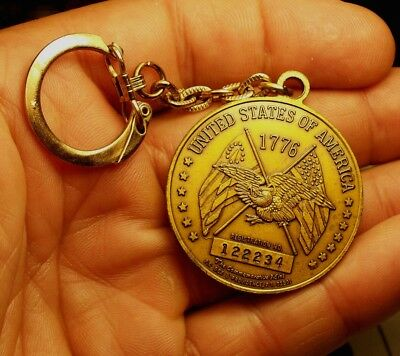 1776 - 1976 Declaration Of Independence Coin / Token Key Chain  Commemorative Mi