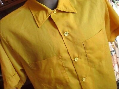 MEDIUM True Vtg 70's Mens POINT COLLAR MR DEE CEE DACRON SHINY GOLD SUMMER SHIRT