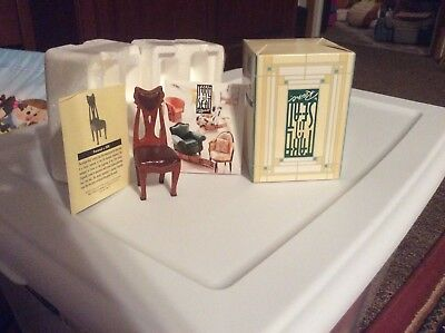 Take a Seat chairs (Lot of 4)