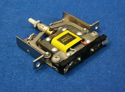 Miniature Electromagnes With A Latch /cwd 0109