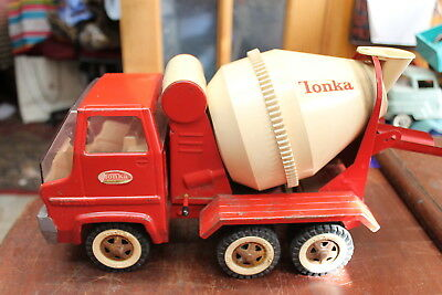 Vintage 1960's Pressed Steel Tonka Red And White Gas Turbine Cement Truck