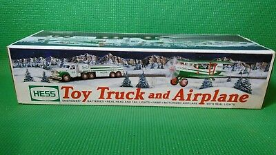 Hess 2002 Toy 18 Wheeler Truck and Airplane Brand New