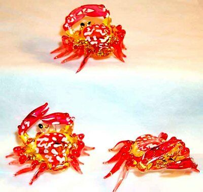 Red Md Crab Pincers Up Small Art Glass Figurine 18 Pc. Lot