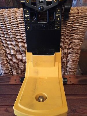 DEWALT LASER WALL BRACKET excellent condition,hardly been used