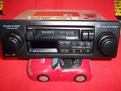 Vintage SONY XR2100 AM/FM CASSETTE Car Stereo DIGITAL/PUSHBUTTON TUNING NICE!