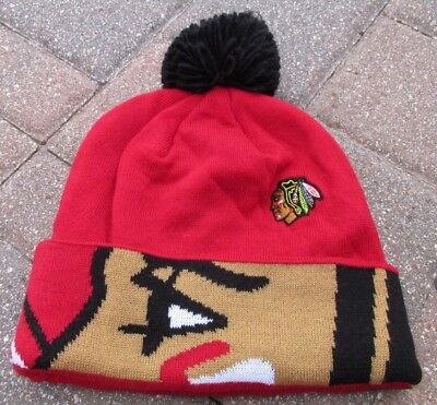 967332d4a78aa NEW NHL CHICAGO Blackhawks Reebok Knit Cuffed Pom Hat Beanie Red Black Adult