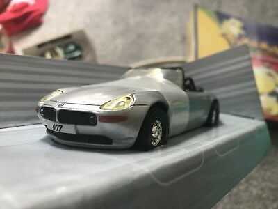 007 The World Is Not Enough Model Car Mint Condition!