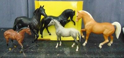 (5) Breyer Horses lot collection