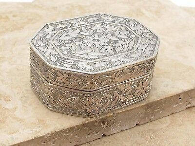 Vintage Antique Solid Silver Ornate Trinket Or Pill Box
