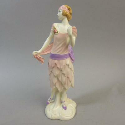 Lovely Royal Worcester Art Deco 1922 Bea Porcelain Vogue Collection Figurine