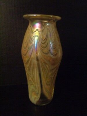 AMAZING Vintage ART GLASS H/ Blown IRIDESCENT VASE PEACOCK FEATHER 1982 Signed