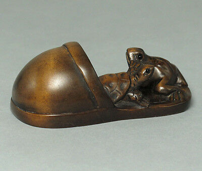 Boxwood Netsuke FROG and TURTLE ON SLIPPER Carving WN265