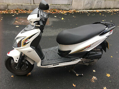 Sym Jet 125 Black and White 2 keys - 1 owner - 11k - 11 months MOT 2015