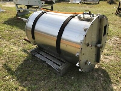 350 Gallon Vertical Stainless Steel Tank , Enclosed Top With Manhole And Several