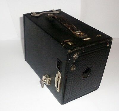 VINTAGE KODAK No. 2 BOX BROWNIE CAMERA WITH CASE