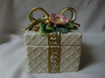 1996 Fitz And Floyd Christmas Gift Box, Trinket Box, Ceramic, One Chip