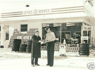 CITIES SERVICE GAS STATION TIRES BATTERIES ACCESSORIES ATTENDANT  5x7 photo