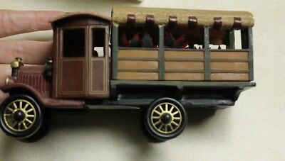 Department 56 Heritage Village Collection Poinsettia Delivery Truck Christmas
