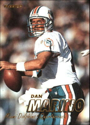 1997 Fleer Football Card #250 Dan Marino