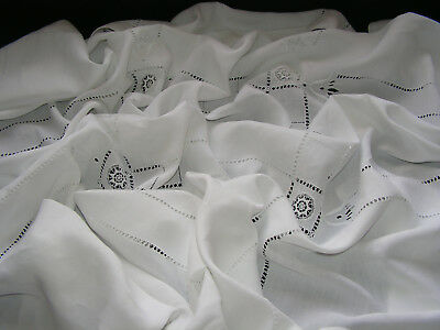 B'ful Lge Antique Finest White Irish Linen Hand Embroidered & Lace Insert Cloth