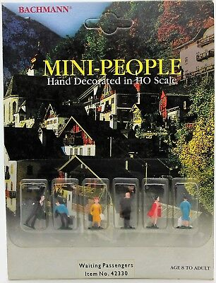 New in Package Bachmann Mini People 42330 HO Scale Train Waiting Passengers